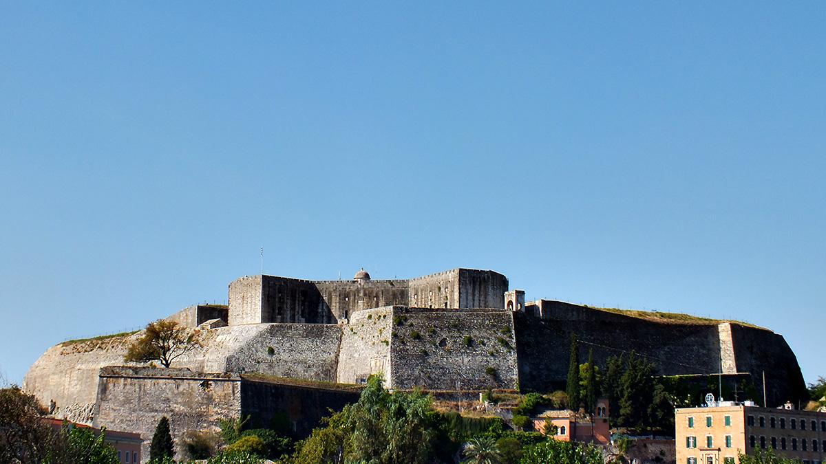 Korfu-Stadt, die Neue Festung. Wir waren auf beiden, der Alten und der Neuen Festung. Zu Fuß.