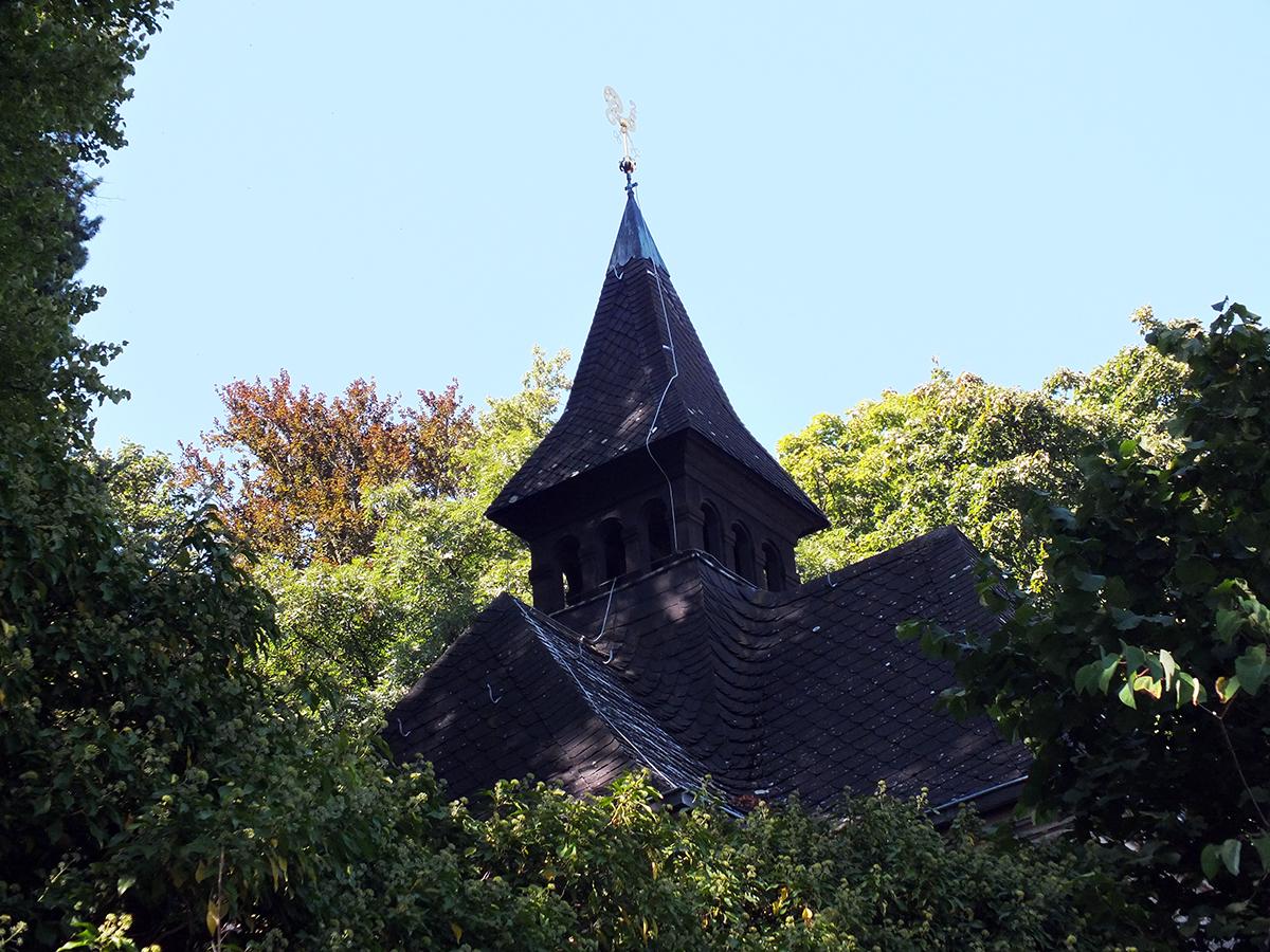 Kleine Kapelle nebenan