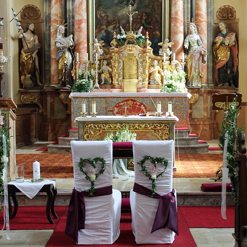 Kirche kurz vor der Trauung