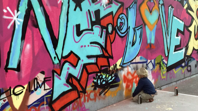 Junge beim Workshop während der BundeskunstHallOfFame