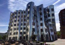 Gehry-Bau Neuer Zollhof 2 in Düsseldorf