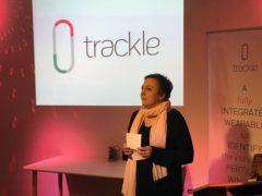Katrin Reuter spricht gerade auf dem trackle-Crowdfunding-Event
